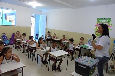 Mascote da aprendizagem acompanha alfabetização dos alunos do 1º Ano C